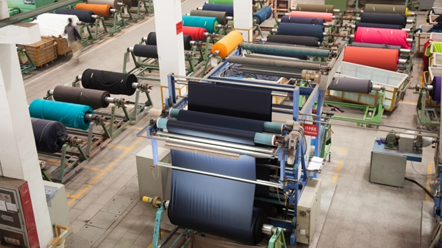 China comes to Pak's aid, to invest US $ 375M in its textiles