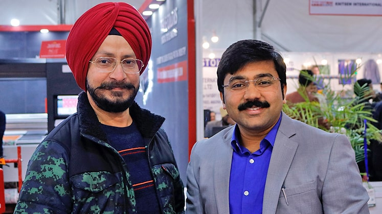 Jatinder Pal Singh (L) ED, Retail Business, Moda Elementi (clothing division of Turbo Tools) like machine for jacket manufacturing. LB Maurya, MD, Maurya Exports (WEARA) shared that his focus is to supply quality knitted fabric with the best service be it on time delivery or any other demand of clients.